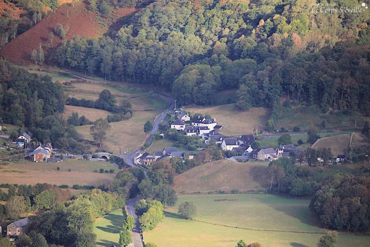 Le gîte Montagne & Vie se trouve à Orcun, lieu-dit qui fait partie de la commune de Bedous, en Pyrénées béarnaises.